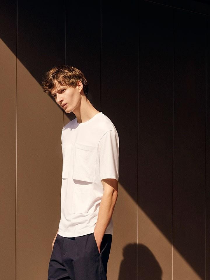 Frederik Ruegger : Cos Stores