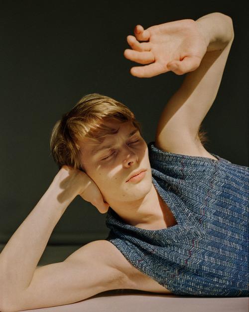 Otto Vainaste : Fucking Young! Magazine