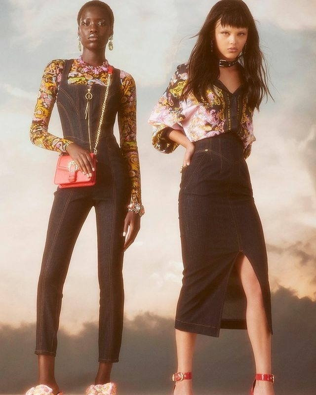 AWAR O FOR VERSACE JEANS COUTURE S/S 21 COLLECTION