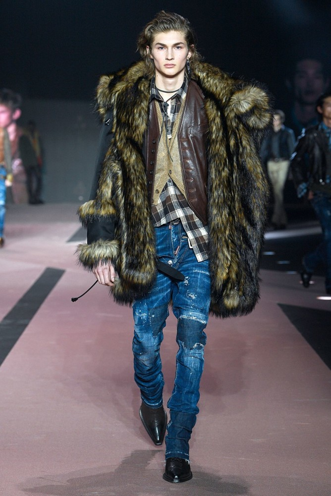 ROBBIE LYONS for DSQUARED2 FW/20
