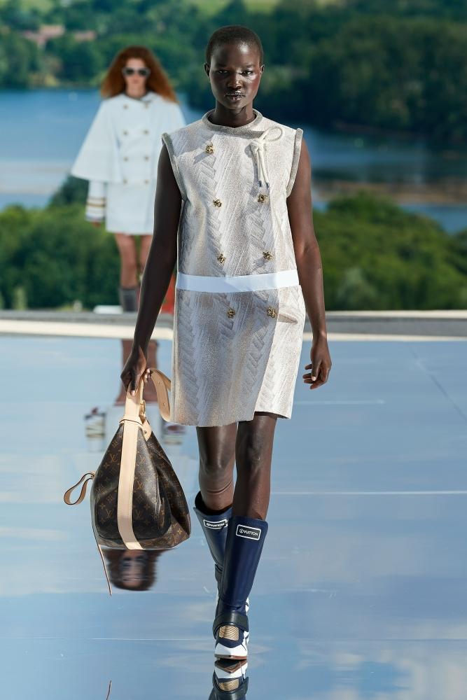 AKON CHANGKOU for Louis Vuitton RESORT 2022