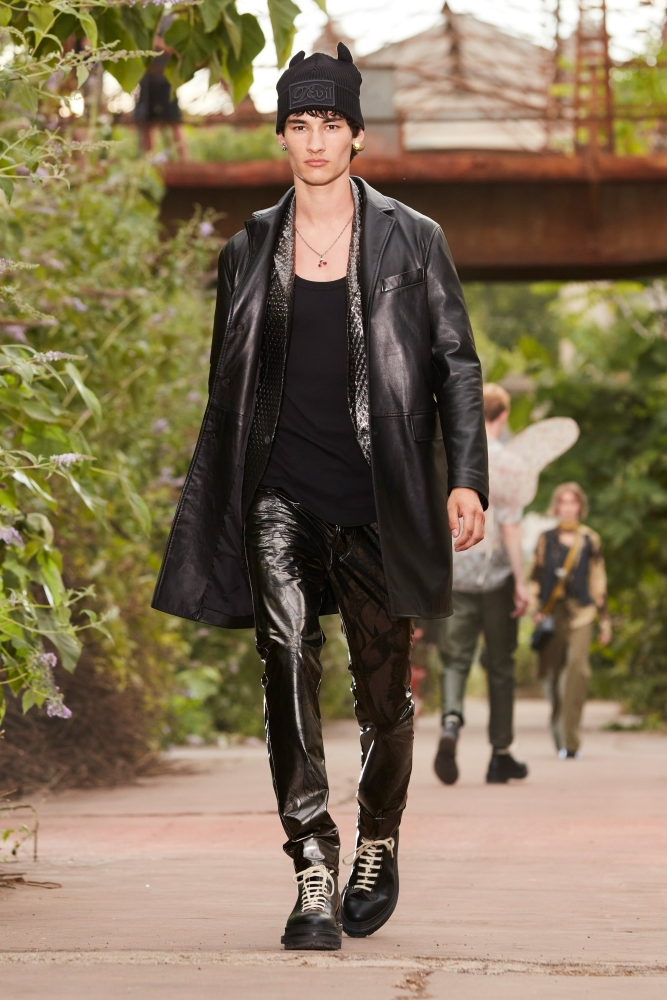 DYLAN LAGAIN for DSQUARED2 SS/22