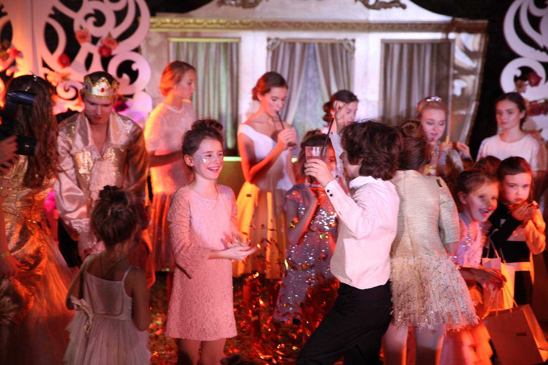Самая крутая золотая вечеринка года, организованная агентством ULTRAKIDS !!!