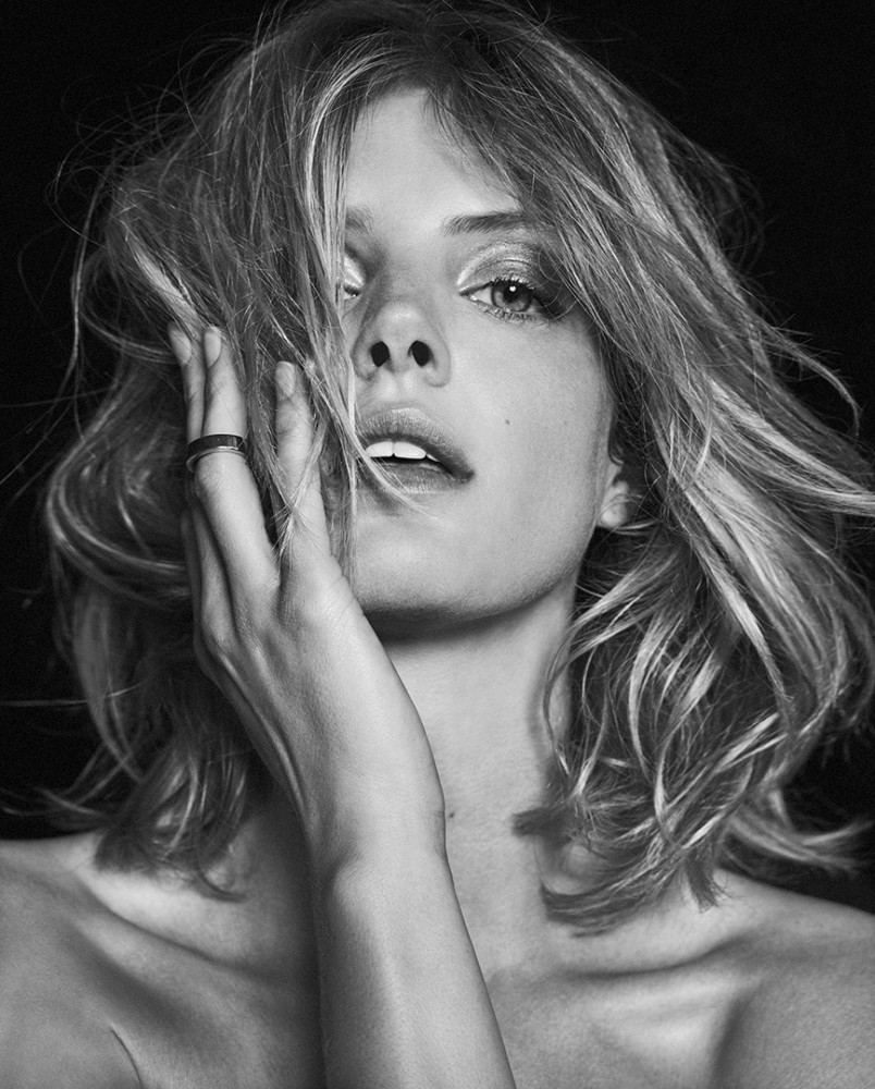 Fanny Francois Nude Photos 8